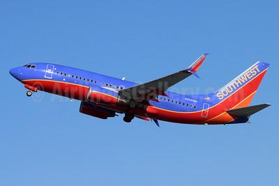 Southwest Airlines Boeing 737-7H4 SSWL N255WN (msn 32513) BUR (Michael B. Ing). Image: 955040.