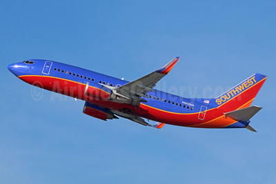 Southwest Airlines Boeing 737-3H4 WL N642WN (msn 27715) LAX (Michael B. Ing). Image: 938831.
