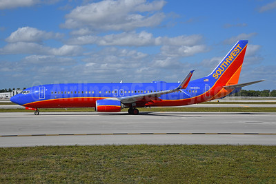 Southwest Airlines Boeing 737-8H4 SSWL N8633A (msn 36905) FLL (Bruce Drum). Image: 104760.