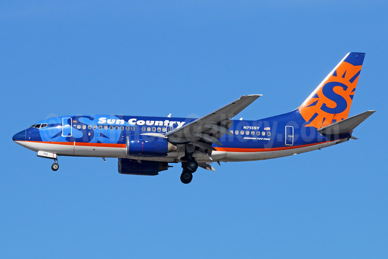 Sun Country Airlines Boeing 737-7Q8 N713SY (msn 30635) LAX (Michael B. Ing). Image: 935290.