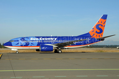 Sun Country Airlines Boeing 737-7Q8 N712SY (msn 28219) SEA (Bruce Drum). Image: 101932.