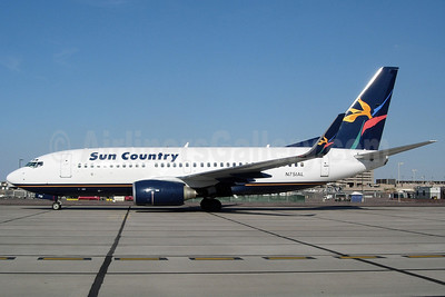 Sun Country Airlines Boeing 737-7Q8 WL N751AL (msn 30674) (Aloha colors) PHX (Sun Valley Aviation). Image: 901131.
