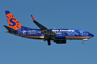Sun Country Airlines Boeing 737-7Q8 WL N716SY (msn 30629) JFK (Fred Freketic). Image: 935289.