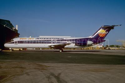 Sun Jet International McDonnell Douglas DC-9-31 N8931E (msn 47140) MIA (Bruce Drum). Image: 103974.