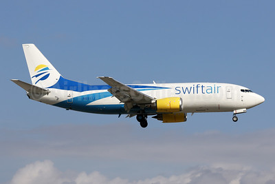 Swift Air (2nd) (USA) Boeing 737-306 (F) N811TJ (msn 23538) MIA (James Helbock). Image: 945608.