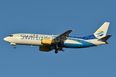 Swift Air (2nd) (USA) Boeing 737-401 N418US (msn 23985) JFK (Fred Freketic). Image: 940431.