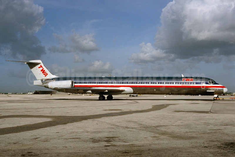 Airline Color Scheme - Introduced 2001 (American)