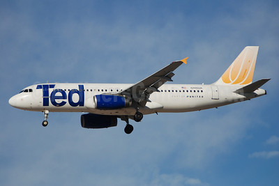 Ted (United Airlines) Airbus A320-232 N444UA (msn 824) MIA (Bruce Drum). Image: