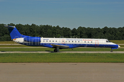 Trans States Airlines Embraer ERJ 145LR (EMB-145LR) N812HK (msn 145373) (United Express colors) RDU (Ken Petersen). Image: 929449.