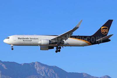 UPS Airlines (UPS-Worldwide Services) Boeing 767-34AF ER WL N308UP (msn 27761) ONT (Michael B. Ing). Image: 941116.