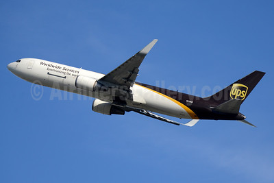 UPS Airlines (UPS-Worldwide Services) Boeing 767-34AF ER WL N319UP (msn 27758) MIA (Jay Selman). Image: 403480.