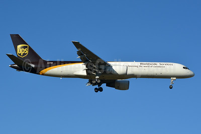 UPS Airlines (UPS-Worldwide Services) Boeing 757-24APF N417UP (msn 23904) CLT (Jay Selman). Image: 402738.