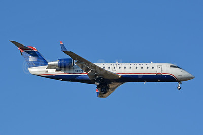 US Airways Express-Air Wisconsin Bombardier CRJ200 (CL-600-2B19) N407AW (msn 7424) CLT (Jay Selman). Image: 404028.