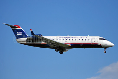 US Airways Express-Air Wisconsin Bombardier CRJ200 (CL-600-2B19) N424AW (msn 7656) DCA (Bruce Drum). Image: 100878.