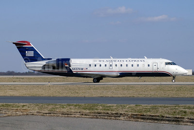 US Airways Express-Air Wisconsin Bombardier CRJ200 (CL-600-2B19) N437AW (msn 7744) CLT (Jay Selman). Image: 402099.