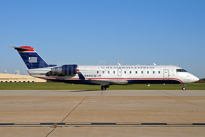 US Airways Express-Air Wisconsin Bombardier CRJ200 (CL-600-2B19) N444ZW (msn 7788) CLT (Bruce Drum). Image: 101978.