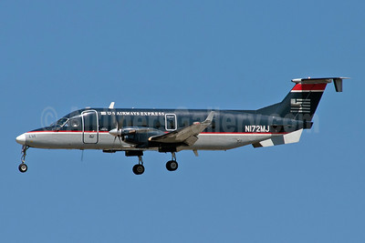 US Airways-Colgan Air (2nd) Beech 1900D N172MJ (msn UE-72) LGA (Fred Freketic). Image: 949960.