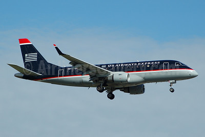 US Airways Express-MidAtlantic Airways Embraer ERJ 170-100SU N812MD (msn 17000030) FLL (Bruce Drum). Image: 104573.