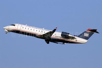 US Airways Express-PSA Airlines (2nd) Bombardier CRJ200 (CL-600-2B19) N207PS (msn 7873) CLT (Jay Selman). Image: 402272.
