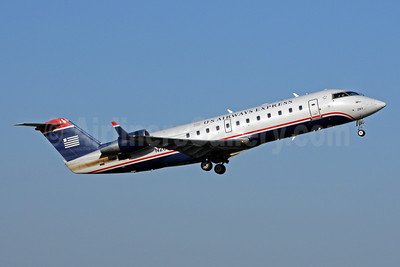 US Airways Express-PSA Airlines (2nd) Bombardier CRJ200 (CL-600-2B19) N261PS (msn 7959) CLT (Bruce Drum). Image: 102009.