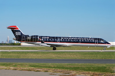 US Airways Express-PSA Airlines (2nd) Bombardier CRJ700 (CL-600-2C10) N723PS (msn 10181) CLT (Bruce Drum). Image: 101424.