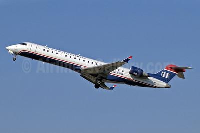 US Airways Express-PSA Airlines (2nd) Bombardier CRJ700 (CL-600-2C10) N725PS (msn 10186) CLT (Jay Selman). Image: 402018.
