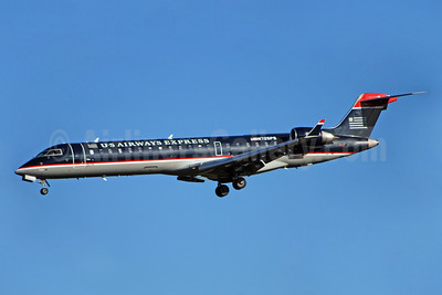 US Airways Express-PSA Airlines (2nd) Bombardier CRJ700 (CL-600-2C10) N725PS (msn 10186) CLT (Bruce Drum). Image: 100897.