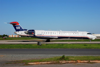 US Airways Express-PSA Airlines (2nd) Bombardier CRJ700 (CL-600-2C10) N723PS (msn 10181) CLT (Bruce Drum). Image: 101402.