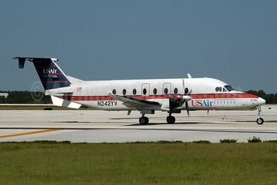 USAir Express-Florida Gulf Airlines Beech 1900D N242YV (msn UE-242) MCO (Ton Jochems). Image: 954074.