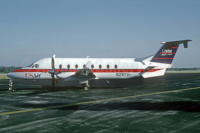 USAir Express-Florida Gulf Airlines Beech 1900D N28YV (msn UE-28) APF (Bruce Drum). Image: 105205.