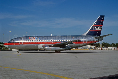 USAir Boeing 737-201 N212US (msn 20212) MIA (Bruce Drum). Image: 102387.