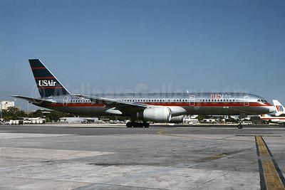 USAir Boeing 757-225 N604AU (msn 22199) MIA (Bruce Drum). Image: 101049.