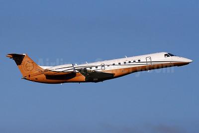 Ultimate Air Shuttle (Ultimate Jetcharters) Embraer ERJ 135LR (EMB-135LR) N356BZ (msn 145288) IAD (Brian McDonough). Image: 939372.