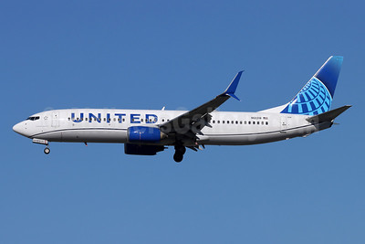 United Airlines Boeing 737-824 SSWL N12218 (msn 28778) SNA (Michael B. Ing). Image: 955612.