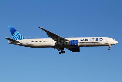 United Airlines Boeing 777-300 ER N2250U (msn 66590) FRA (Marcelo F. De Biasi). Image: 950100.