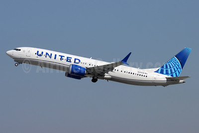 United Airlines Boeing 737-9 MAX 9 N37530 (msn 43465) LAX (Michael B. Ing). Image: 955437.