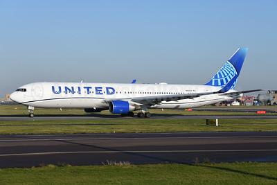 United Airlines Boeing 767-322 ER WL N656UA (msn 25394) AMS (Ton Jochems). Image: 948647.