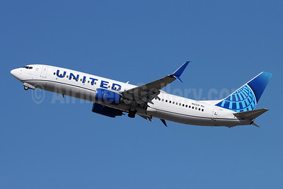United Airlines Boeing 737-824 SSWL N12218 (msn 28778) SNA (Michael B. Ing). Image: 955613.