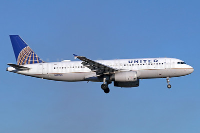 United Airlines Airbus A320-232 N439UA (msn 683) SNA (Michael B. Ing). Image: 939545.
