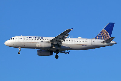 United Airlines Airbus A320-232 N453UA (msn 1001) LAX (Michael B. Ing). Image: 938086.
