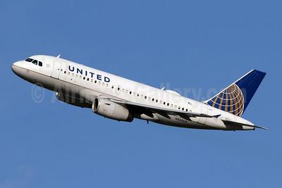 United Airlines Airbus A319-131 N840UA (msn 1522) IAD (Brian McDonough). Image: 947535.
