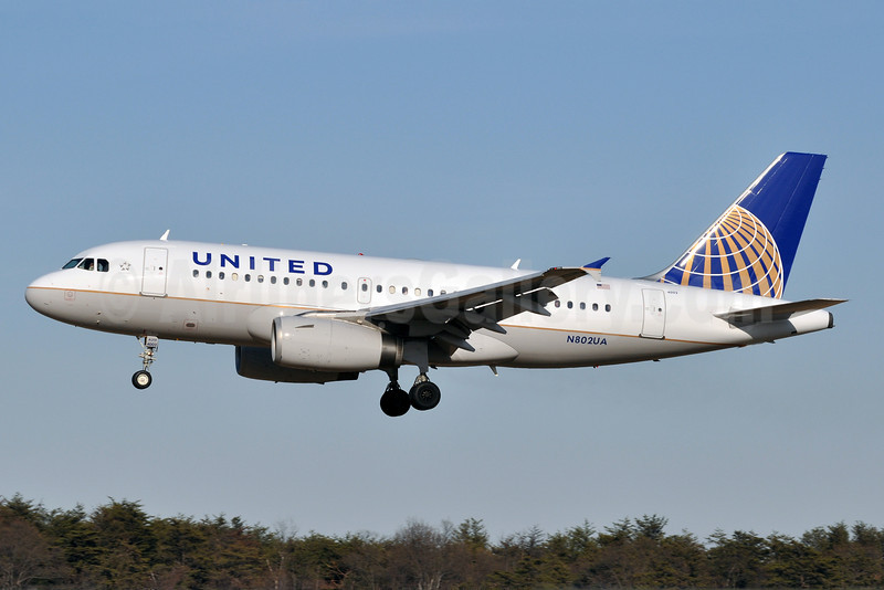 United Airlines Airbus A319-131 N802UA (msn 690) BWI (Tony Storck). Image: 909809.