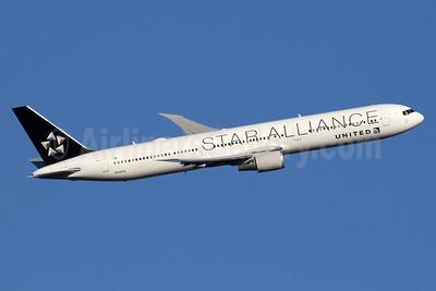 United Airlines Boeing 767-424 ER N76055 (msn 29450) (Star Alliance) LHR (SPA). Image: 936148.
