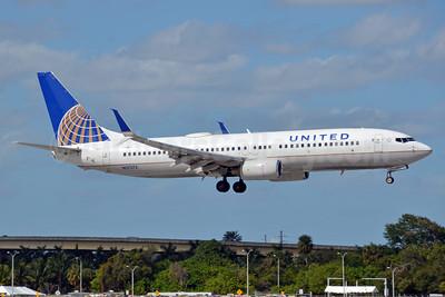 United Airlines Boeing 737-824 SSWL N37273 (msn 31591) FLL (Bruce Drum). Image: 104492.