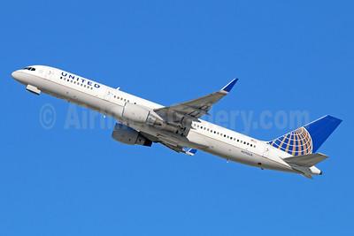 United Airlines Boeing 757-222 WL N590UA (msn 28708) LAX (Michael B. Ing). Image: 931567.