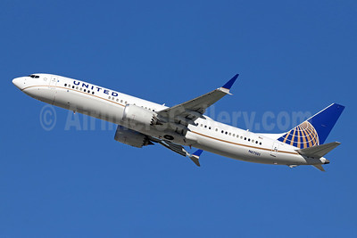 United Airlines Boeing 737-9 MAX 9 N67501 (msn 43430) LAX (Michael B. Ing). Image: 945290.