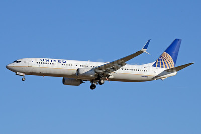 United Airlines Boeing 737-924 ER SSWL N67845 (msn 42185) LAX (Jay Selman). Image: 403656.