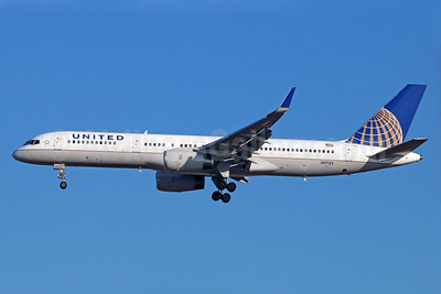 United Airlines Boeing 757-224 WL N17122 (msn 27564) LAX (Michael B. Ing). Image: 939542.