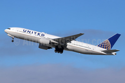United Airlines Boeing 777-222 N781UA (msn 26945) LAX (Michael B. Ing). Image: 946230.