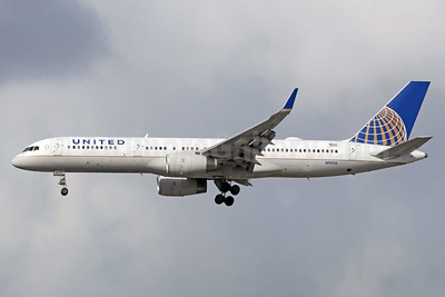 United Airlines Boeing 757-224 WL N13110 (msn 27300) LAX (Michael B. Ing). Image: 938080.